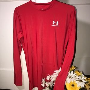 BRAND NEW//UNDER ARMOUR Long Sleeve